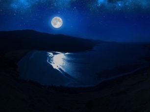 満月と福山雅治